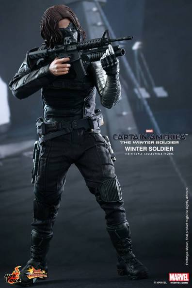 Hot Toys Captain America The Winter Soldier - Winter Soldier aiming