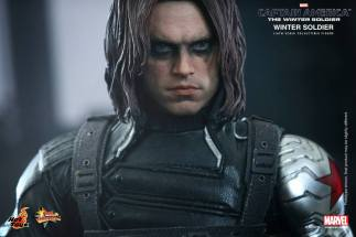 Hot Toys Captain America The Winter Soldier - Winter Soldier close up