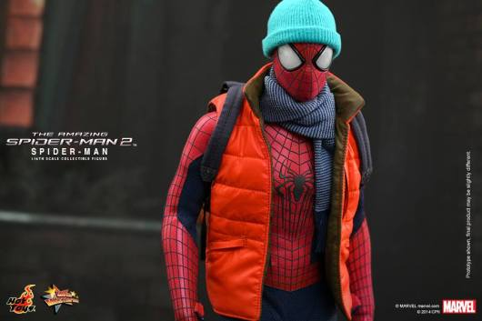 Hot Toys The Amazing Spider-Man 2 - Spider-Man in jacket and cap