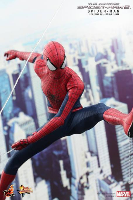 Hot Toys The Amazing Spider-Man 2 - Spidey slinging
