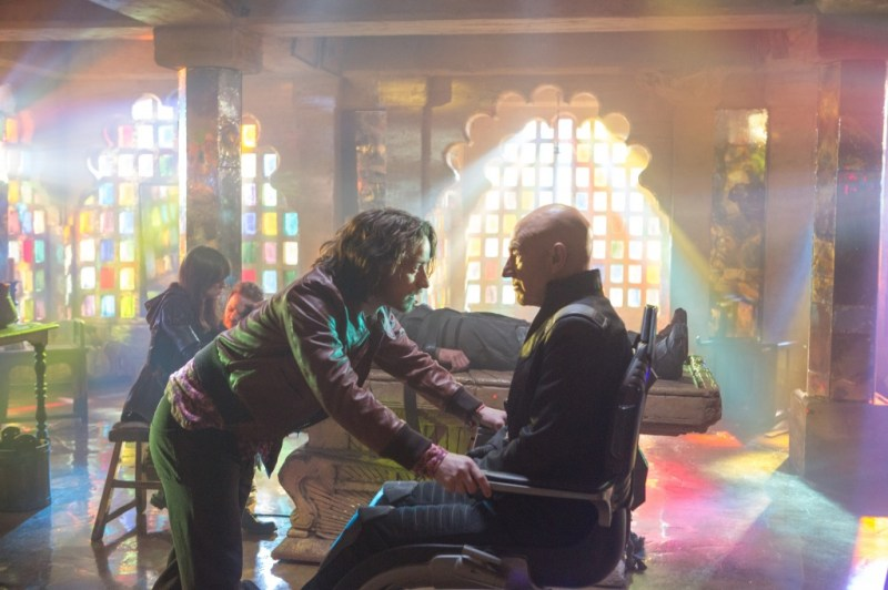 x-men-days-of-future-past-James McAvoy and Patrick Stewart as Professor Xavier_rgb