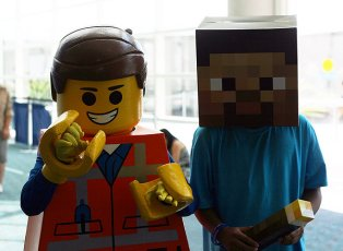 SDCC2014 cosplay - Emmett from Lego movie and Minecraft