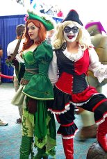 SDCC2014 cosplay - Renaissance Poison Ivy and Harley Quinn