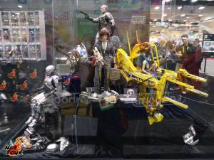 SDCC2014 Hot Toys display - Robocop, Aliens, Alien Ripley display