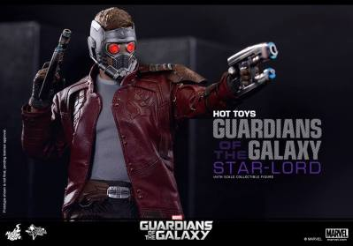 Hot Toys Guardians of the Galaxy - Star Lord aiming guns horizontal tight