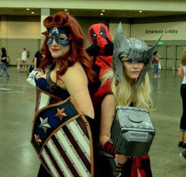 Baltimore Comic Con 2014 - Captain America, Deadpool and female Thor