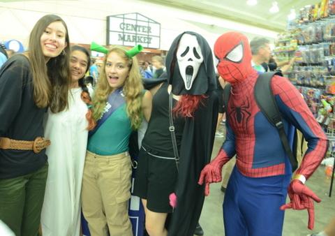 Baltimore Comic Con 2014 - Ghostface and Spider-Man