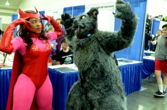 Baltimore Comic Con 2014 - Scarlet Witch and cat