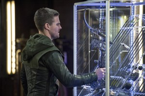Arrow-season-3-episode-2-Oliver-and-arrows
