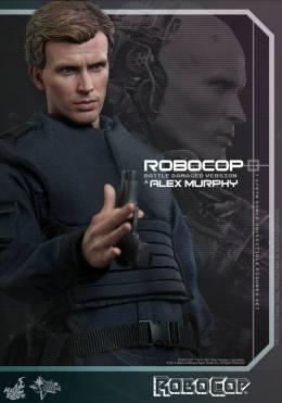 Hot Toys Robocop and Alex Murphy set - Murphy twirling gun