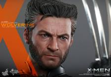 Hot Toys X-Men DOFP Wolverine - tight head and claw