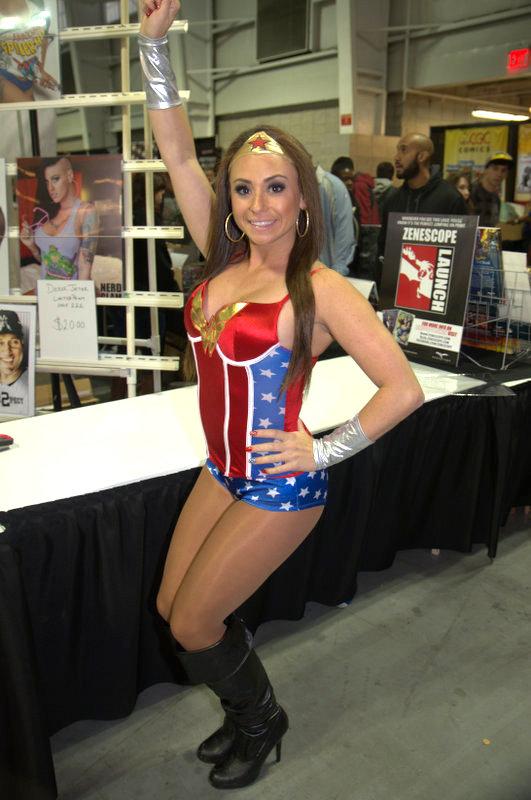 NYCC2014 cosplay - Wonder Woman