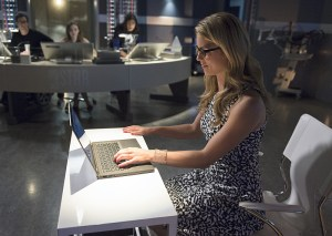 The Flash  - Going Rogue - Felicity and Team Star