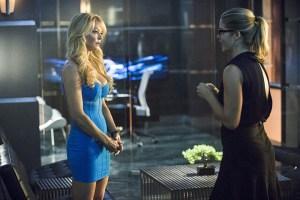 Arrow-Season-3-Episode-5-Felicity-and-Donna-Smoak