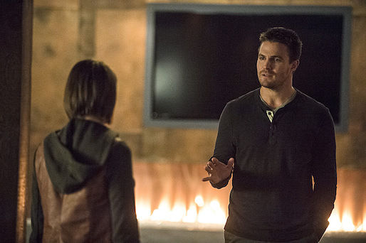 Arrow-Season-3-Episode-5-Thea-and-Oliver-Queen