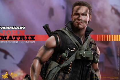 Hot Toys Commando - John Matrix figure - walking