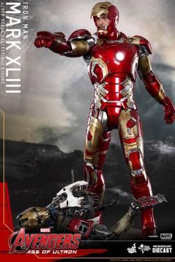 Hot Toys Iron Man Mark XLIII figure - over old Iron Man figure