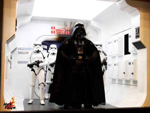 Hot Toys Star Wars - Darth Vader and Stormtroopers
