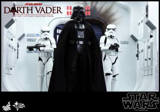 Hot Toys Star Wars Darth Vader figure - with Stormtroopers2