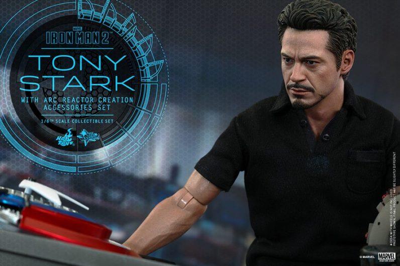Hot Toys Tony Stark Iron Man 2 figure - tight shot