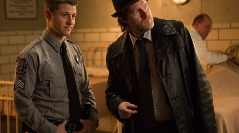 Gotham episode 11 - Rogue's Gallery - Bullock and Gordon at Arkham