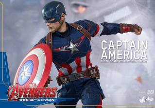 Hot Toys The Avengers Age of Ultron Captain America - on the move