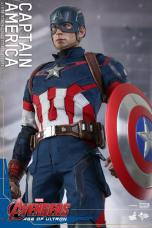 Hot Toys The Avengers Age of Ultron Captain America - relaxed