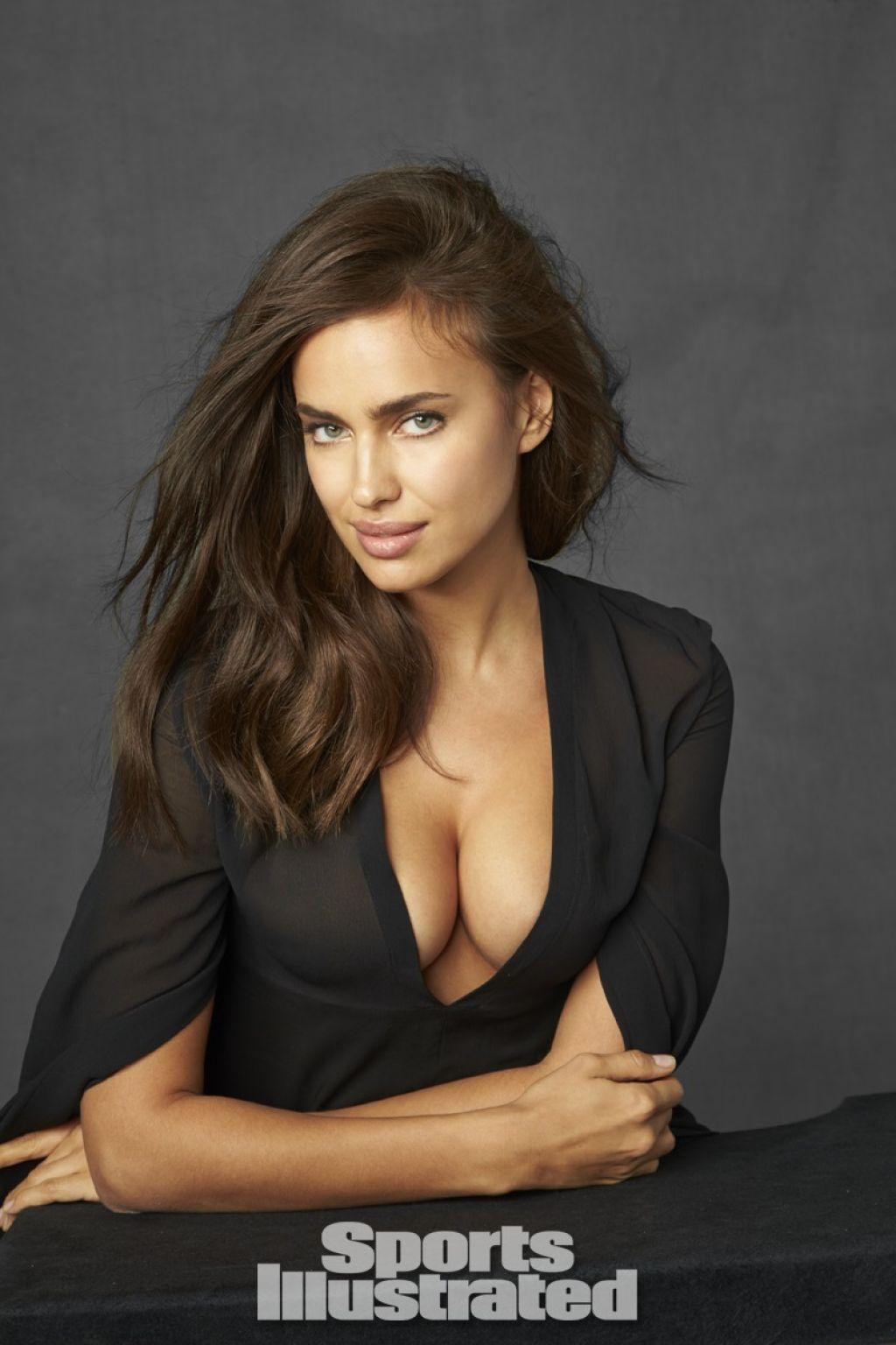 Irina Shayk Cleavage Nude Photos 42