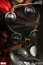 Thor Marvel Premium Format Figure - closeup of outfit