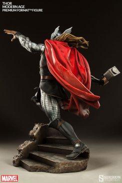 Thor Marvel Premium Format Figure - Thor up steps
