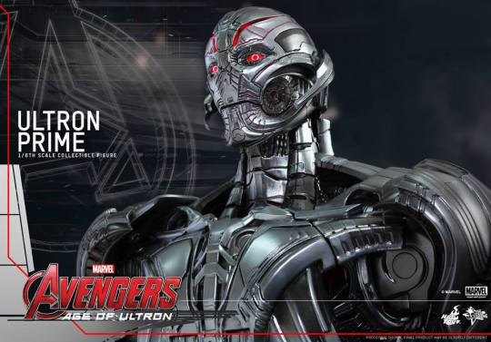 Hot Toys Age of Ultron - Ultron Prime - side shot