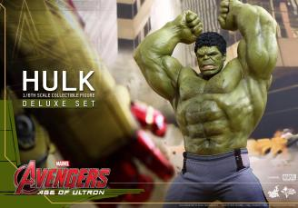 Hot Toys Hulk - Age of Ultron - arms up