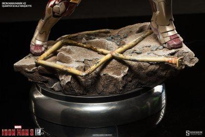 Iron Man Mark 42 maquette - base