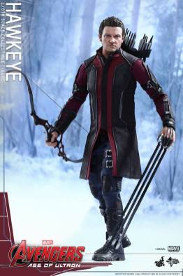 Avengers Age of Ultron Hawkeye figure - holding arrows