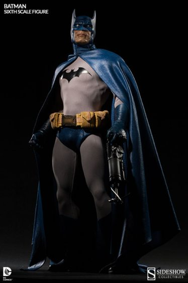 Batman Sideshow Collectibles 12inch figure - clutching rappel