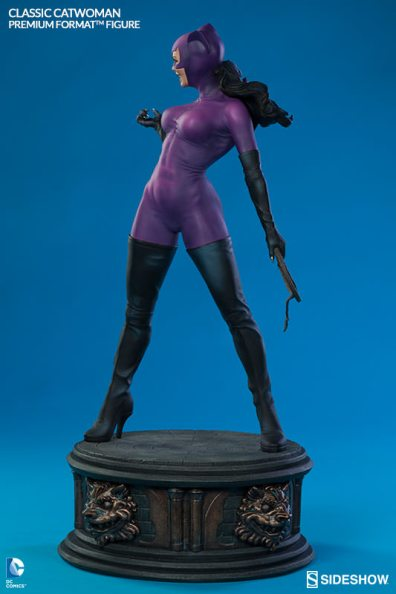 Catwoman premium format figure Sideshow - broad side