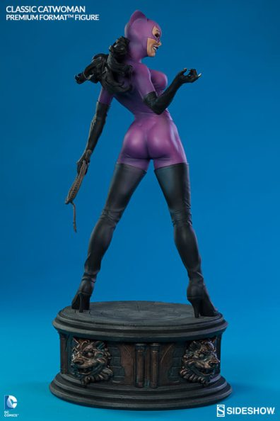 Catwoman premium format figure Sideshow - full Catwoman rear