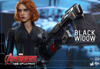 Hot Toys Avengers Age of Ultron - Black Widow - with big gun