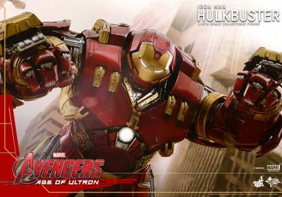 Hot Toys Avengers Age of Ultron - Hulkbuster Iron Man - flying