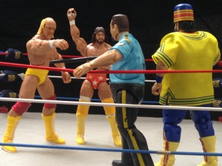 Hulk Hogan Defining Moments figure - Mega Powers vs Twin Towers