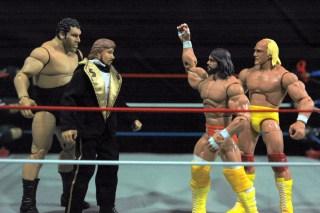 Hulk Hogan Defining Moments figure - MegaBucks vs MegaPowers