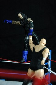The Undertaker vs King Kong Bundy - scaling ropes