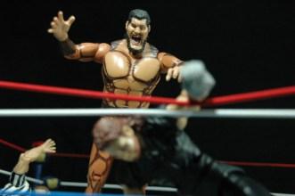 The Undertaker - Wrestlemania The Streak - vs Giant Gonzalez -giant closing in