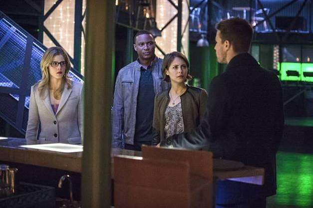 Arrow - Broken Arrow - Felicity, Diggle, Thea and Oliver