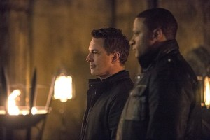 Arrow - The Fallen - Diggle and Merlyn