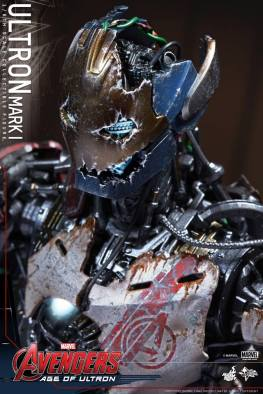 Hot Toys Avengers Age of Ultron - Ultron Mark 1 - top down