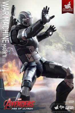 Hot Toys Avengers Age of Ultron War Machine -arm up