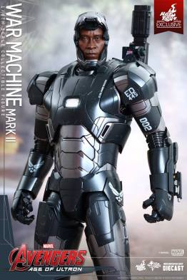 Hot Toys Avengers Age of Ultron War Machine - mask up