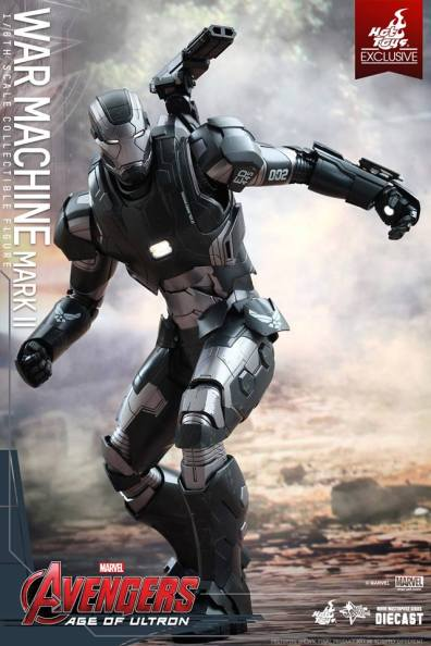 Hot Toys Avengers Age of Ultron War Machine -side crouch