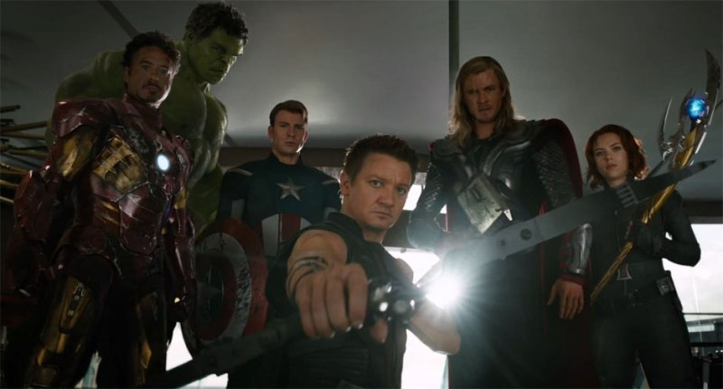 the-avengers-iron-man-robert-downey-jr-captain-america-avengers 2012 - robert downey jr, chris-evans-thor-chris-hemsworth-jeremy-renner-hawkeye-black-widow-scarlett-johansson